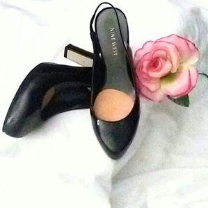 Patent leather block heel.